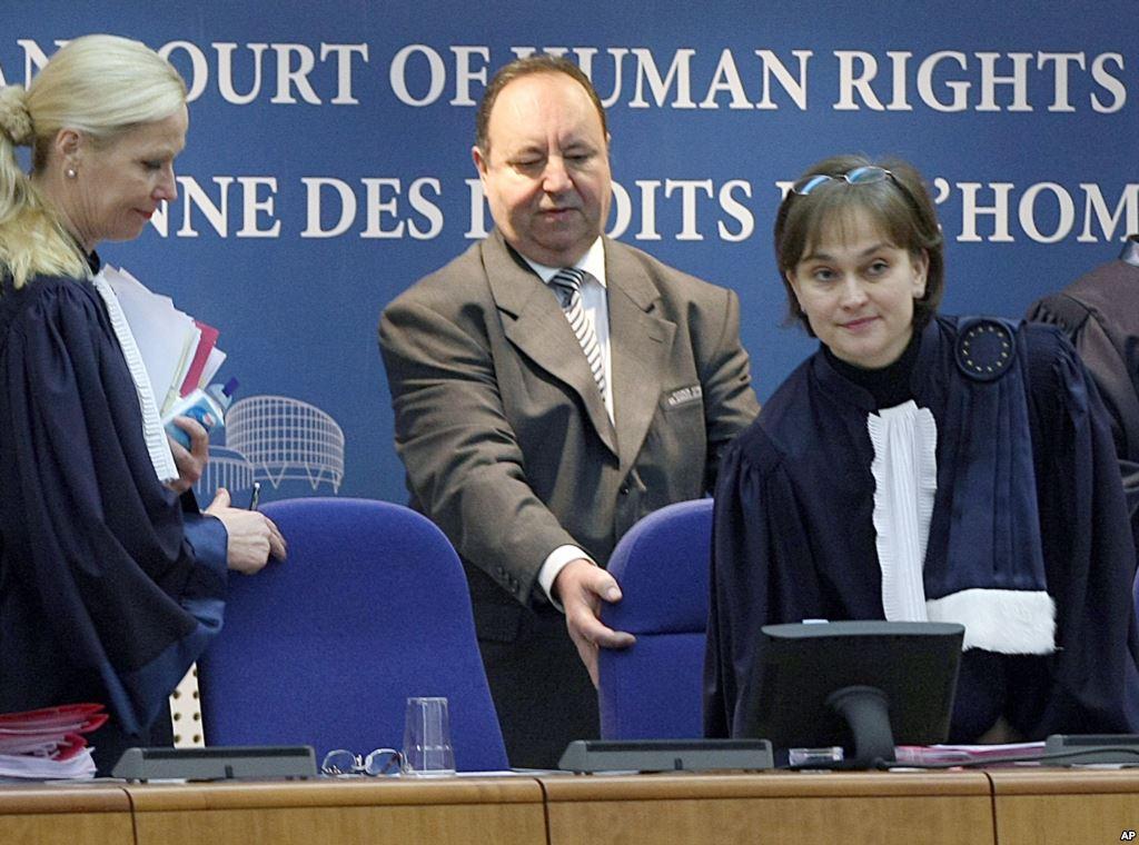 Ineta Ziemele – EŽTT teisėja (dešinėje)
